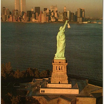 1992 - New York City Postcard - Statue of Liberty