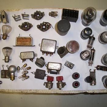 Variety of Raduo tubes ect. - Radios