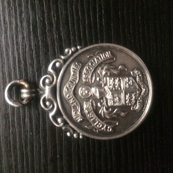lovely silver medal 1930  - Sterling Silver