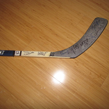 2004 Tampa Bay Lightning Team autographed Vincent Lecavalier Stick - Hockey