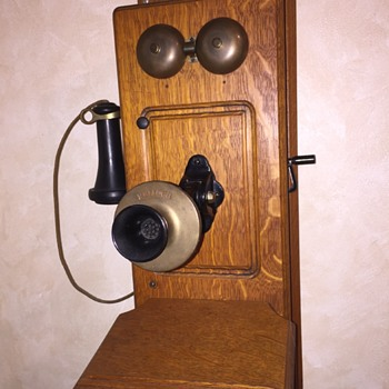 Antique Kellogg early 1900s 4-bar magneto-powered crank wall phone - Telephones