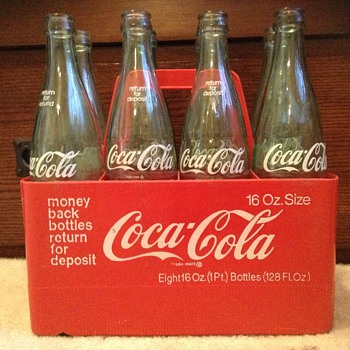 1960s or 1970s coca cola 16 oz bottle carrier