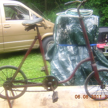 old childs Bicycle with hard rubber tires - Sporting Goods