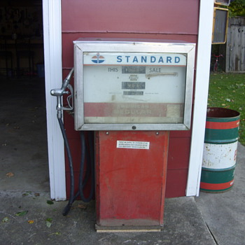 standard oil gas pump - Petroliana
