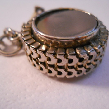Token holder bracelet charm - Costume Jewelry