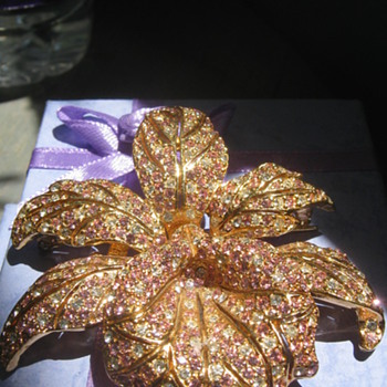 My love of orchids ... brooch - Costume Jewelry