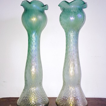 Rindskopf Green to Opalescent Martele Hyacinth Iridescent Pair Vases