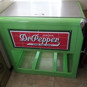 Dr.Pepper large chest cooler - Advertising