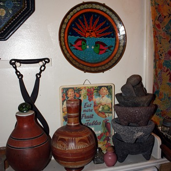 collection of molcajetes y tejolotes