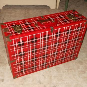 Royalshire Picnicaire Metal Case Picnic Basket