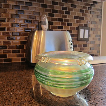 Austrian Loetz-type vase with applied green threading - Art Glass