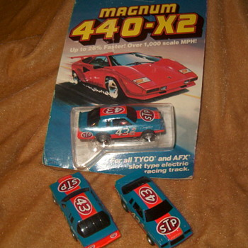 TYCO 440X2 RICHARD PETTY REGAL AEROCOUPES H.O. SCALE