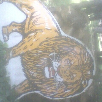 Large lion sign no markings - Signs