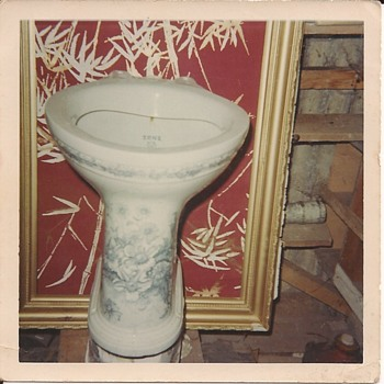 Toilet - Art Pottery