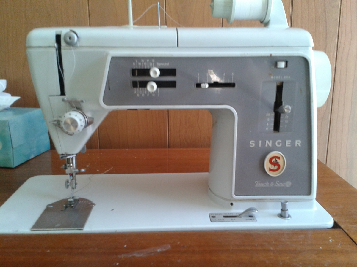 sewing machine desk
