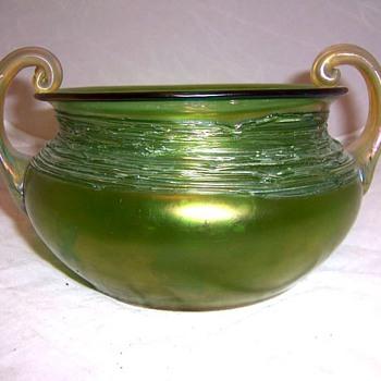 Loetz Ausfuhrung 44 (circa 1907) - Art Glass