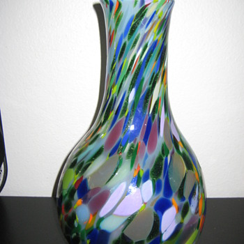 Signed hand blown vase - Art Glass