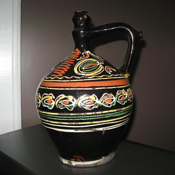Pottery of unknown origin