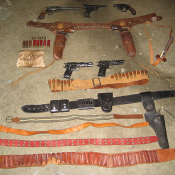 Old Movie Props From Gunsmoke Set Holster's Pistols Etc - Movies