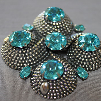 Vintage NAPIER Brooch and Earrings - Costume Jewelry