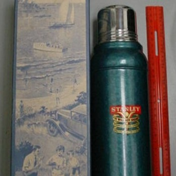 1930s NOS Stanley thermos w/ box & GREAT graphics!