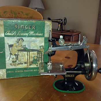 Singer 20 Toy - Sewing