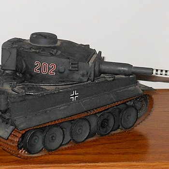 Tiger Panzer Mk VI 1/35 Scale Tamiya Model