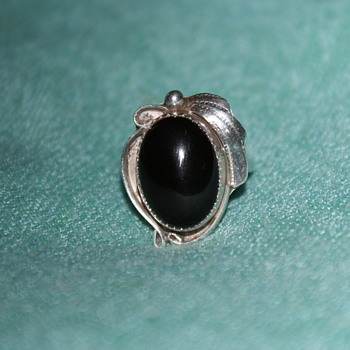 Vintage Sterling Ring with Onyx – Possibly Native American?
