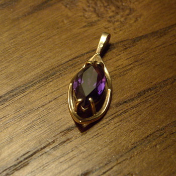 10KT Amethyst Pendant