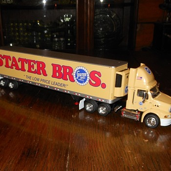 Tonkin Stater Bros Track and Trailer 1:53 Scale - Model Cars