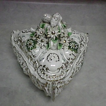 CHERUB PORCELAIN BOX - Art Pottery