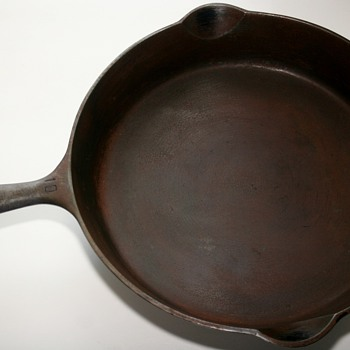Griswold No.10 Erie, PA 716E Cast Iron Skillet