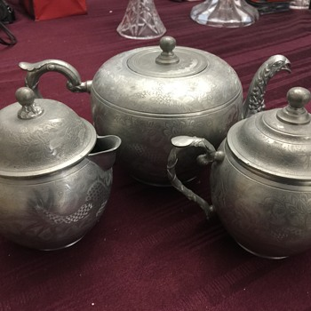 Heung pewter tea set