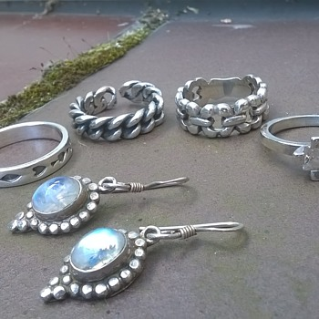 Assorted Bits Of Jewelry  - Fine Jewelry