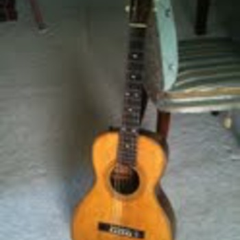 1923 Slingerland 6 string Parlor Guitar holylandpiratesgmail