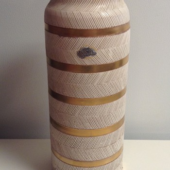 Bitossi Italy Seta Series Vase - Art Pottery