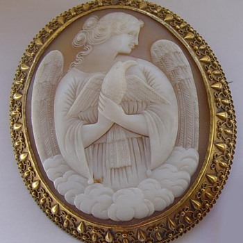 Shell cameo:  Peace Angel 