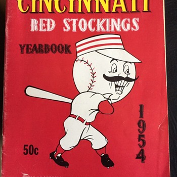 CINCINNATI RED STOCKING 1954 YEARBOOK  - Baseball