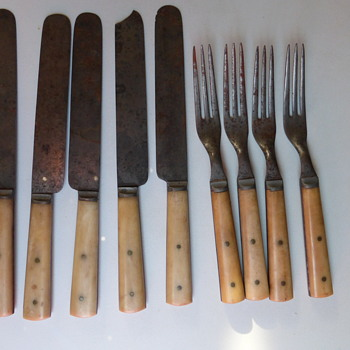 Civil War Bone and Steel Eating Utensils - Kitchen