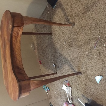 What type of desk is this??