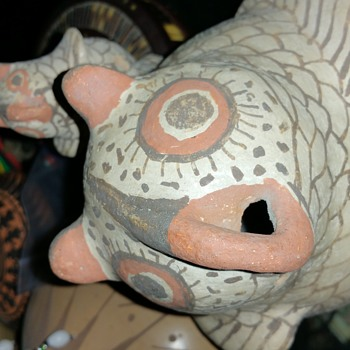 ANTIQUE ZUNI EFFIGY POTTERY