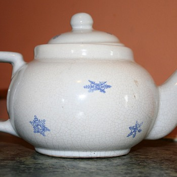 Snowflake teapot Early Pfaltzgraff - Kitchen