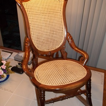 Various old rockers caned and rushed, but how old?? - Furniture