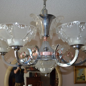 Ezan France. Original art deco chandelier