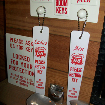 Phillips 66 and Marathon Bath room key sets - Signs