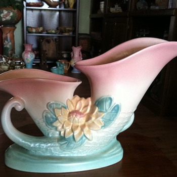 Hull Waterlily Double Cornucopia - 1948 - Art Pottery
