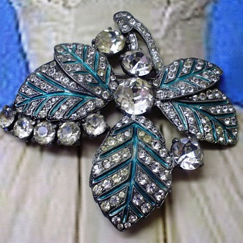 Eisenberg Original Brooch - Costume Jewelry