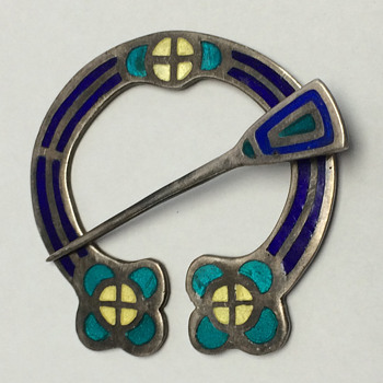 Alexander Ritchie of Iona - A Rare Enameled Penannular Brooch - Arts and Crafts