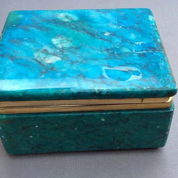 Italian alabaster jewellery / powder ? box