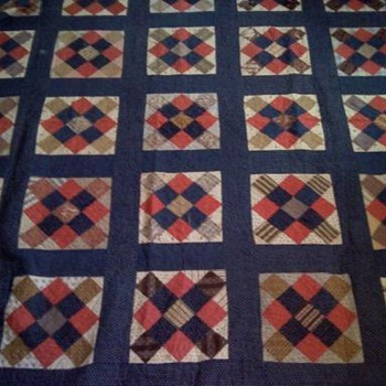Does anyone Know the Age of this Quilt?